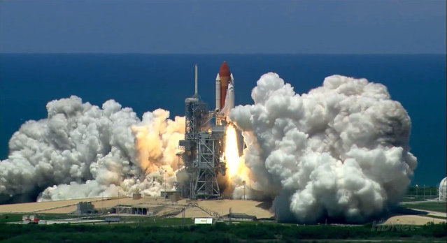 Breathtaking video of Shuttle Discovery launch